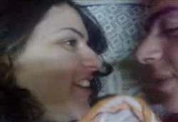 قمة الحب والرومانسية بين اتنين عشاق على السرير كلها حب ولحس ونياكة