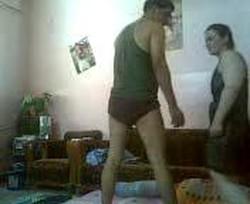 واد معلم زانق بطة بلدى فى الشقة وسهران على كسها نياكة وتقطيع وتصوير
