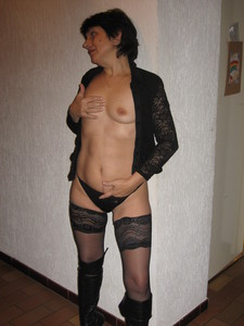 http://img64.imagetwist.com/th/13429/cnadhr7icr60.jpg