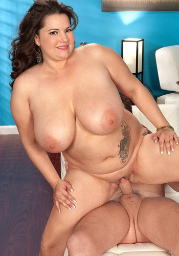 Melonie Maxx – G-cupper BBW  has more to fuck HD 720p