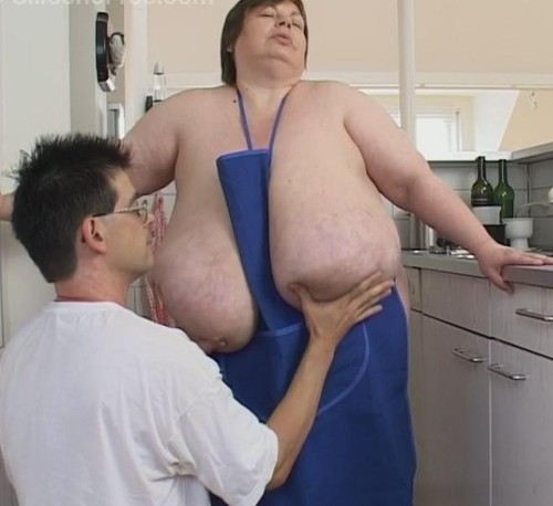 Karola – Mature BBW Giant Tits