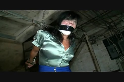 Gigi - Cruel handcuffed strappado