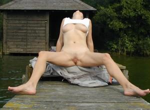 http://img64.imagetwist.com/th/21747/9y1ucrnwem2m.jpg