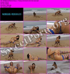 HotKinkyJo.xxx [06.15.2015] Hot Kinky Jo - Fisting on the beach and in the ocean Thumbnail