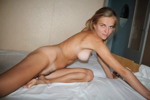 http://img64.imagetwist.com/th/21965/yqi5xuokarv6.jpg