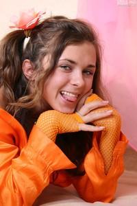 Olesya-Olesya-Orange--v6rm744xfp.jpg