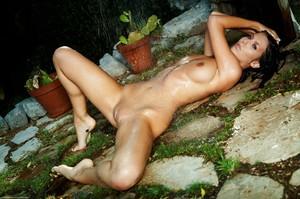 Lizzie Ryan - Wild Shower  y6rp94lox0.jpg