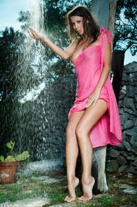 Lizzie Ryan - Wild Shower  u6rp92f5xj.jpg