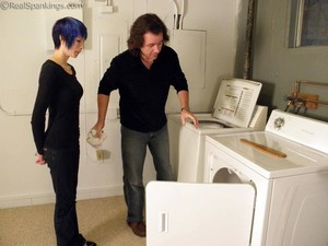Lila Confronted About Her Laundry - image5