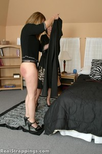 Cindy's Morning Spanking (part 2) - image3