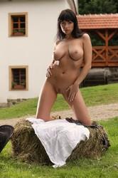 Marta-Cowgirl--46sc8hvv5c.jpg