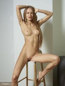 Jolie-Nude-Portraits--o6v0irb5pb.jpg