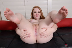 Lucy-Foxx-Young-and-hairy-Set-357420--36v6vftasf.jpg
