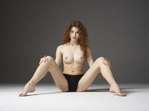Heidi-Natural-Nudes--d6sd80n6kn.jpg