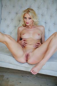 Porn Picture f6kx472gcb