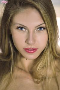 Angelica-in-Eyes-Like-An-Angel--56sftbk2fa.jpg