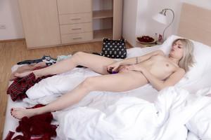 Scarlett-Knight-Skinny-Teen-Having-Fun-With-her-Sex-Toy--76snpg4sqx.jpg