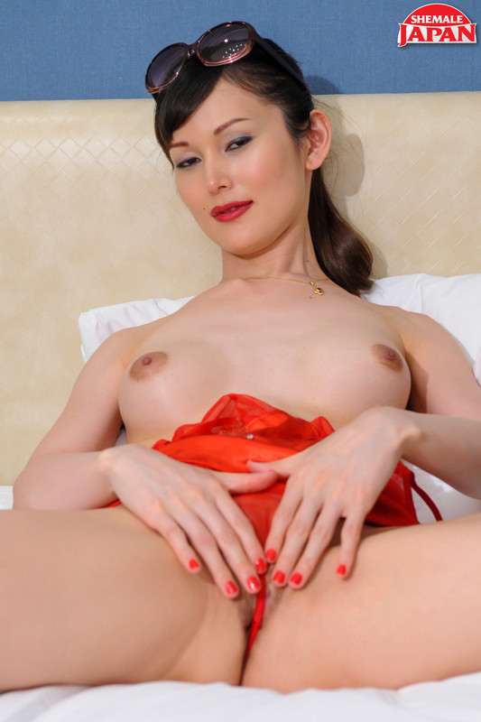 Sayuri Super Hot In Red! Remastered