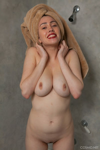 Mary-Jane-Mary-Jane-In-The-Shower--q6taqx96q6.jpg