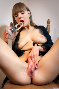 Natalie-Russ-Pump-And-Squirt-1--76tam0xjgj.jpg
