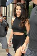 Selena-Gomez-c-thru-pics-w6nqvvmyv1.jpg